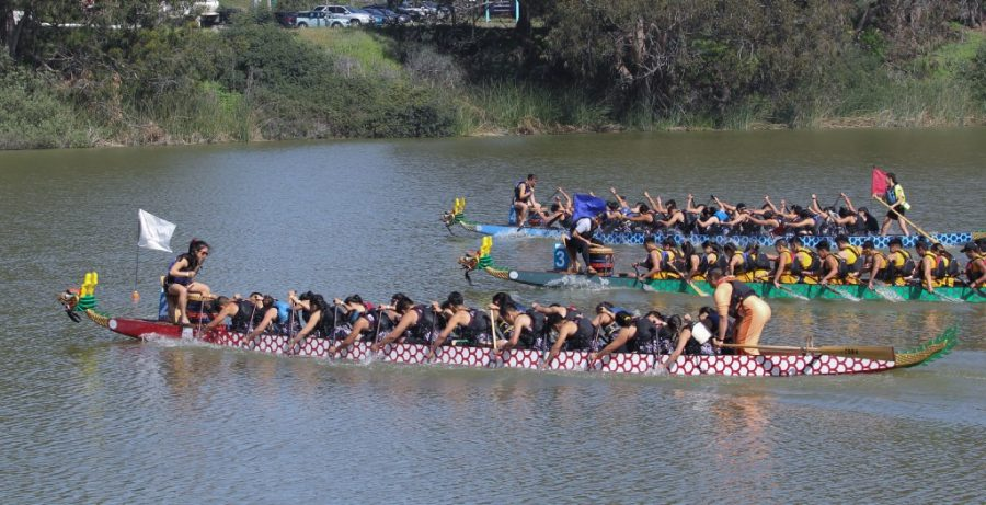 The+Lowell+Red+Tide+making+their+way+towards+the+finish+line+at+the+2018+Youth+Race+on+April+22+at+Lake+Merced.+