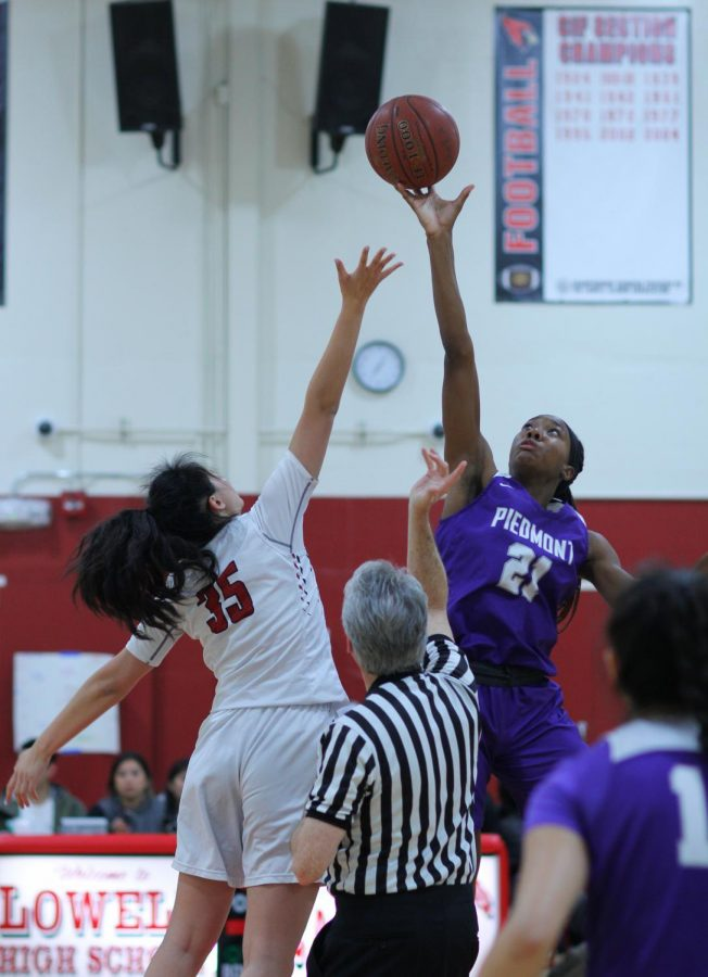 Piedmont won the tipoff allowing them to carry a strong momentum through the first quarter.